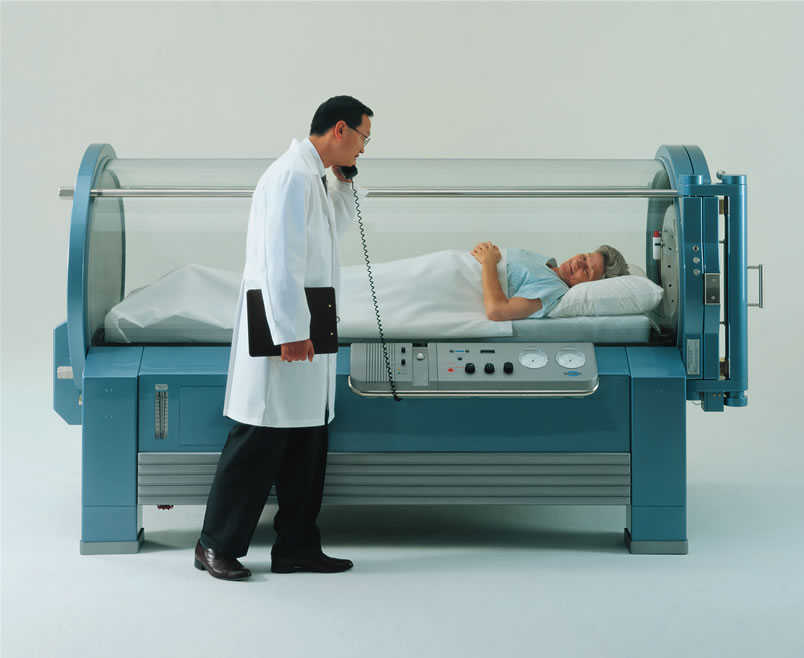 hyperbaric chamber with doctor
